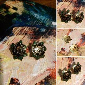 🦋2/$10 3/$15 4/$18 5/$20 Vintage Flower Earrings
